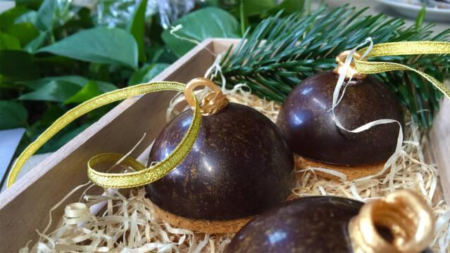 Flødeboller som julekugler