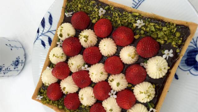 Jordbærtærte med pistacie og nutella
