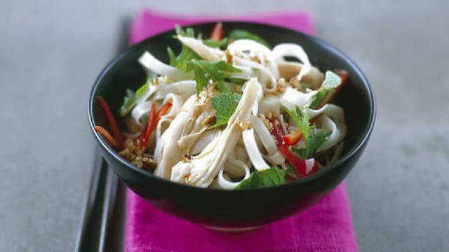 Billede af lækker thai-inspireret nudelsalat
