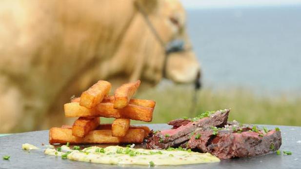 Billede af steak frites med bistro sauce