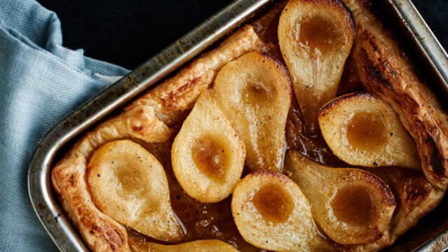 Pæretærte i bradepande