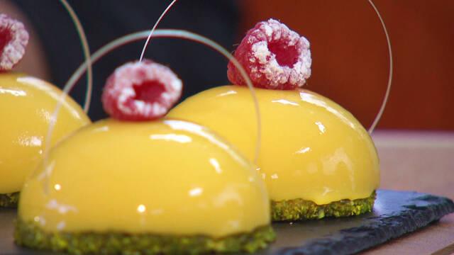 Dessert af passionskahlvkugler