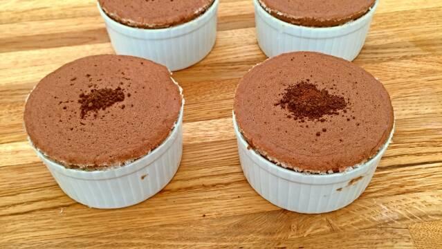 Yndige chokoladesoufflé i ramekiner