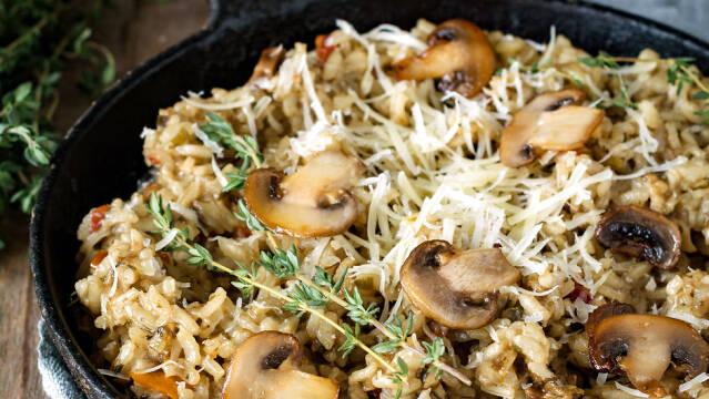 Risotto i pande med svampe og krydderurter