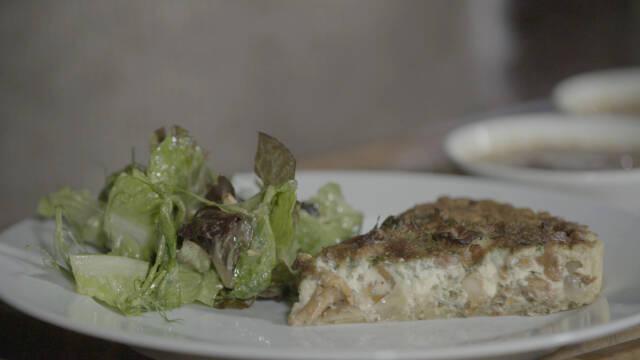 Kanareltærte med salat