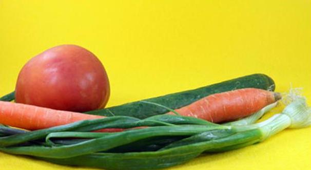 Grøntsager til løgrelish, marokkansk salat og cous cousilbehør til Lam Mrousiya