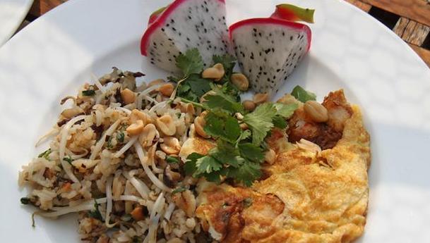 Ris stegt med krydderier og dragefrugt til.