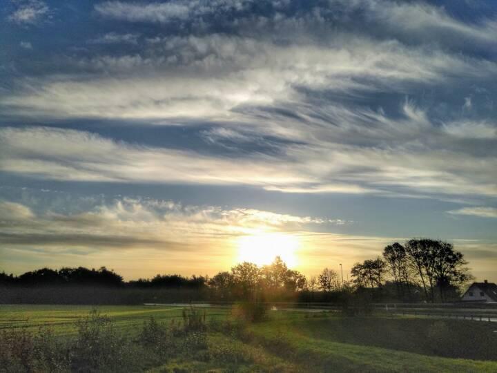 Lun afslutning på oktober giver sol og 15 grader