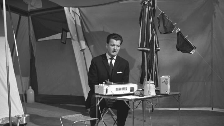 BILLEDER: Otto Leisner fik musikken på TV i 'Pladeparade'