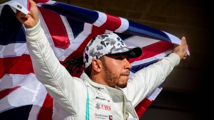 Fra arbejderklasse til verdensklasse: Lewis Hamilton samler på titler og deler vandene