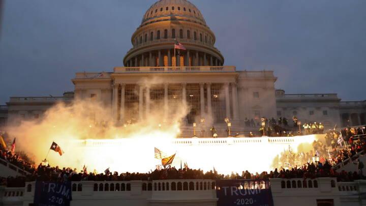 LÆS SVARENE om optøjerne i USA: 'Vi kommer til at opleve en voldsom kamp om det republikanske partis sjæl'