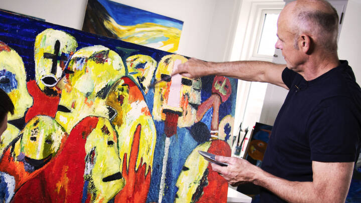 Der står en håndboldlegende og maler, mens han undrer sig: Hvorfor er nogle trænere egentlig så store narcissister?