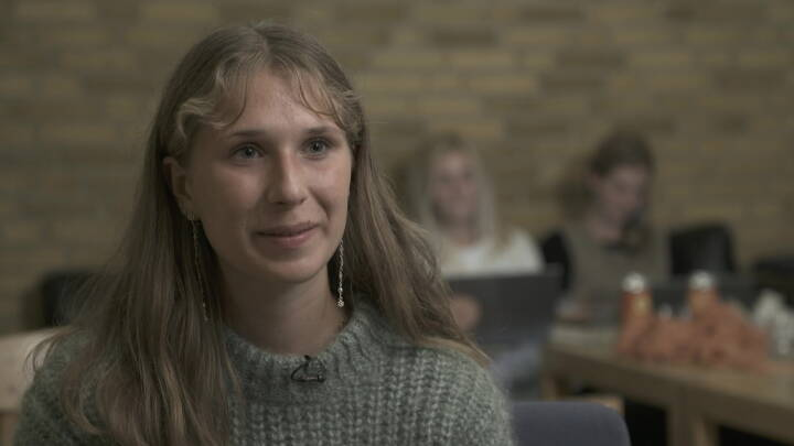 Afgørelsens aften for mere end 94.000 studieansøgere: Sigrid klarede snittet til sin drømmeuddannelse