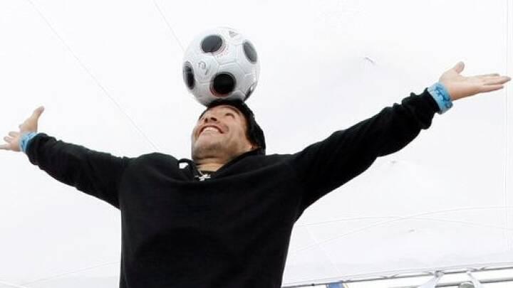 Fodboldlegenden Diego Maradona er død - 60 år gammel