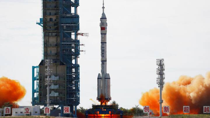 Tre astronauter er skudt afsted mod den nye kinesiske rumstation