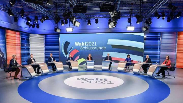 To bud på en ny regering fyldte i den sidste tv-debat inden spillet om magten i Tyskland bliver alvor