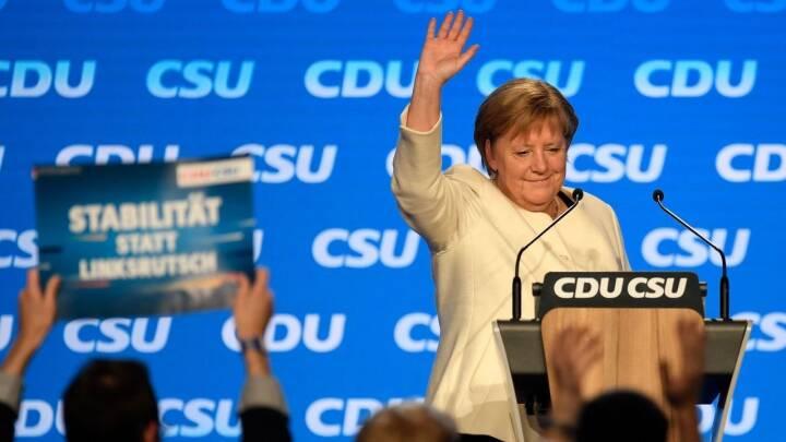 Merkel er den ubestridte leder af EU's politiske tæskehold. Hendes exit efterlader Europa i et magttomrum