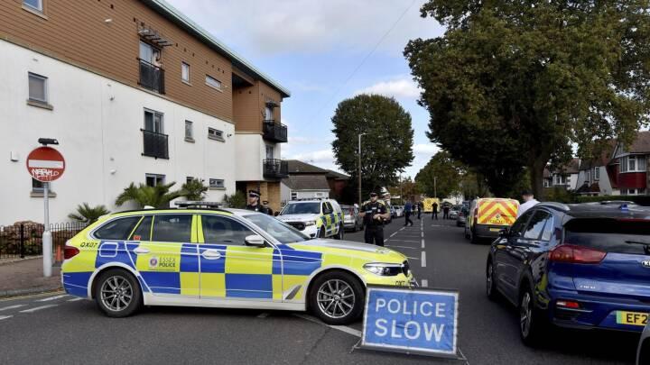 Britisk politiker knivdræbt under møde med vælgerne