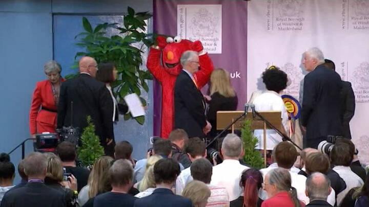 Kulørte kandidater prøver at stjæle rampelyset ved britisk valg
