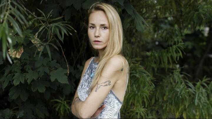 Emma på 25: Mine forældre siger, jeg skal lægge en dæmper på mig selv