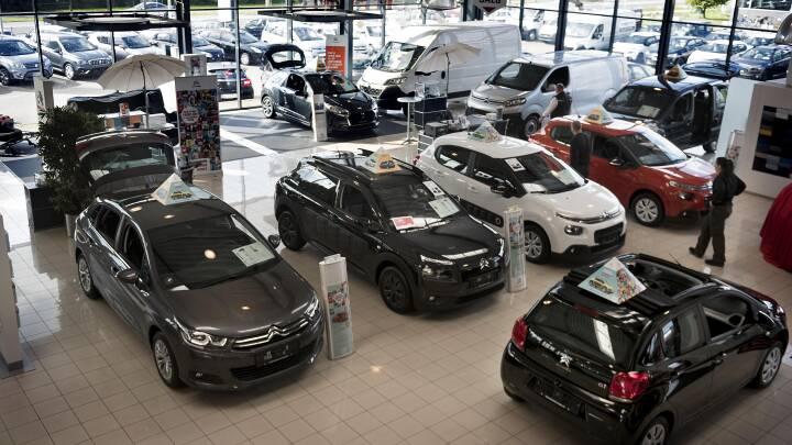 Bilsalget faldt med 22 procent inden nye afgifter