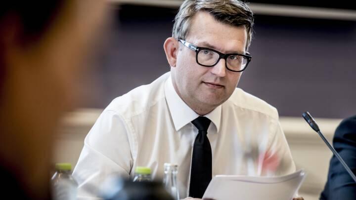 Efter Siemens-sag: Minister strammer smiley-reglerne