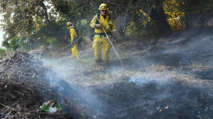 Vinden tager til i Californien: Skovbrand spreder sig med fatale konsekvenser