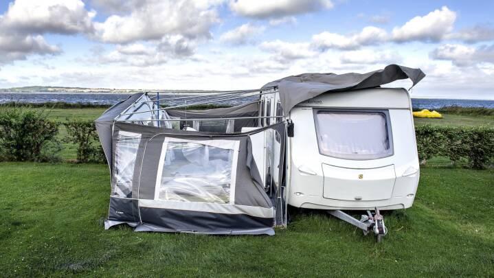 Camping i stiv kuling: 'Hvis et fortelt kan holde til Vestkysten, kan det holde til alt'