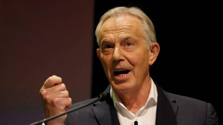Nu begynder jagten på en ny Labour-leder: Tony Blair kritiserer Corbyns 'komiske ubeslutsomhed'