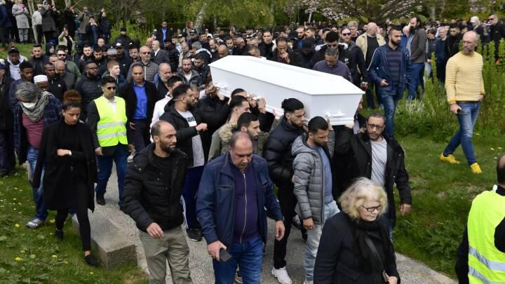 Yahya Hassan er blevet lagt i graven: 'Han har sagt det, andre unge gerne ville sige, men ikke kunne'