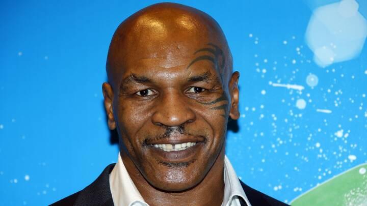 Mike Tyson bider fra sig igen efter 15 års pension: Video viser den 53-åriges vilde slagkraft