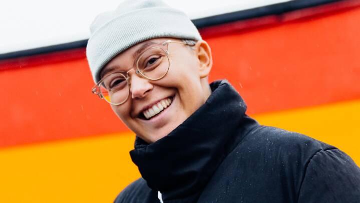 Dansk sanger hjalp Katja med den 'vildeste' gave til kæresten: 'Jeg har tårer i øjnene'
