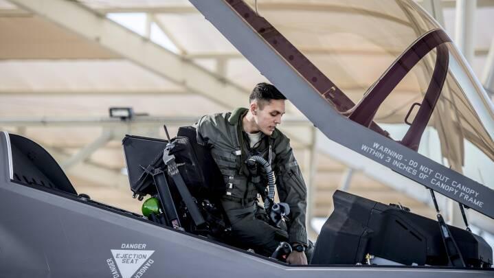 Amerikanske krav fordyrer dansk F-35-base