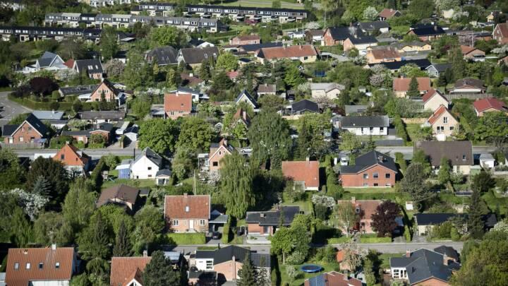 Millionregning for nye ejendomsvurderinger stiger igen: Ministerium får hård kritik