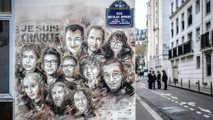 Indenrigsminister bekræfter terror: Det ved vi om angrebet i Paris