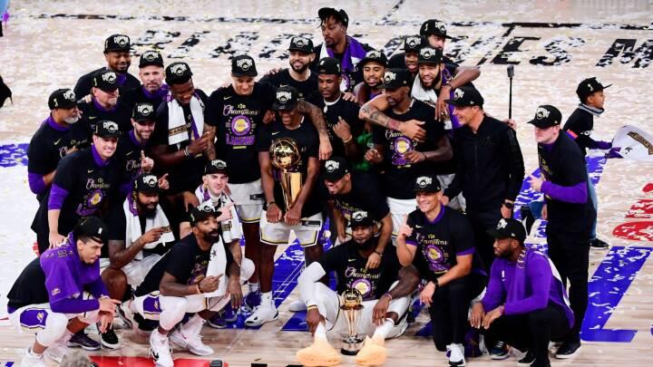 Basketstjerner hylder afdød Kobe Bryant midt i guldrus: 'Han kigger ned på os og er stolt'