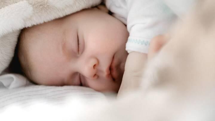 Dansk, tysk eller grønlandsk: Selvom babyen ikke forstår sproget, virker vuggevisen alligevel