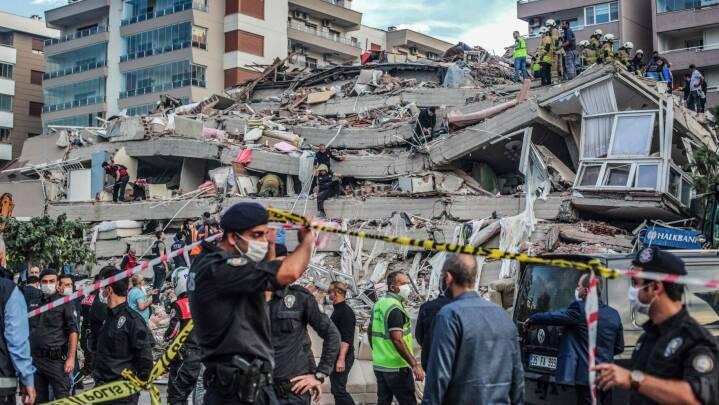 26 dræbt og store ødelæggelser efter kraftigt jordskælv ud for Tyrkiet