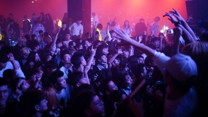 Gang i nattelivet i Wuhan: 'Jeg tror ikke, der var lige så mange folk ude før pandemien'