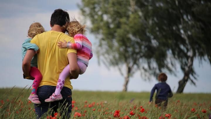 Stor dansk undersøgelse: Piger kommer tidligere i puberteten, når mor og far flytter fra hinanden