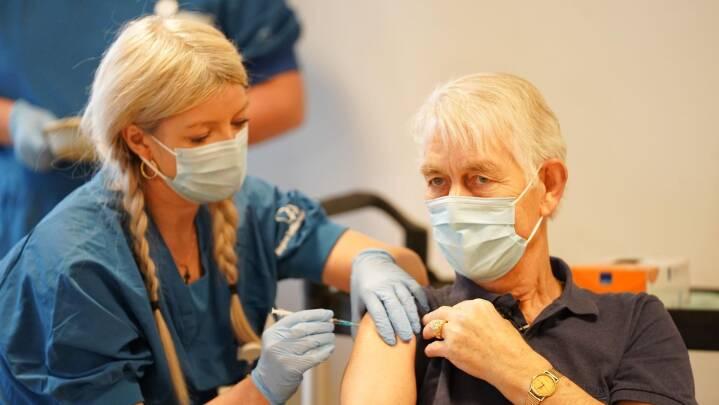 Andy fik det første stik med coronavaccine fra Moderna: 'Det bliver en fornøjelse'
