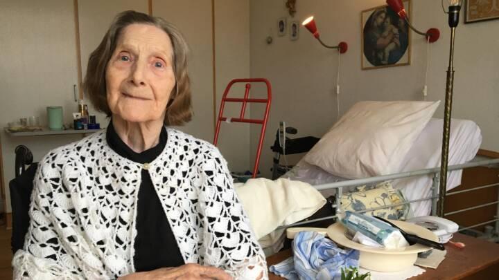 93-årige Else er sengeliggende i eget hjem. Derfor mangler hun stadig at få vaccinen