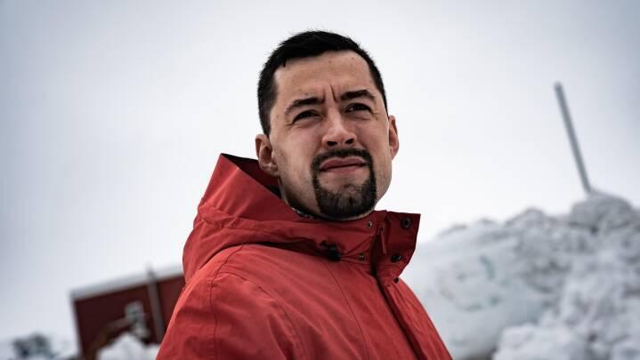 En alvorlig, ung mand står til at blive Grønlands yngste regeringsleder