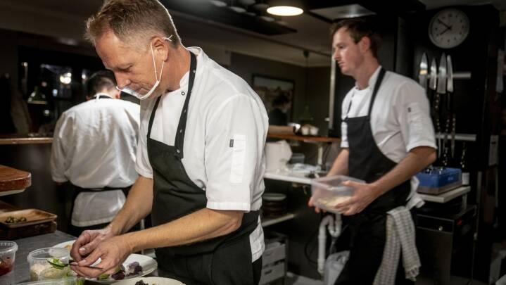 223.000 har allerede reserveret bord: Flere restauranter melder udsolgt for weekenden
