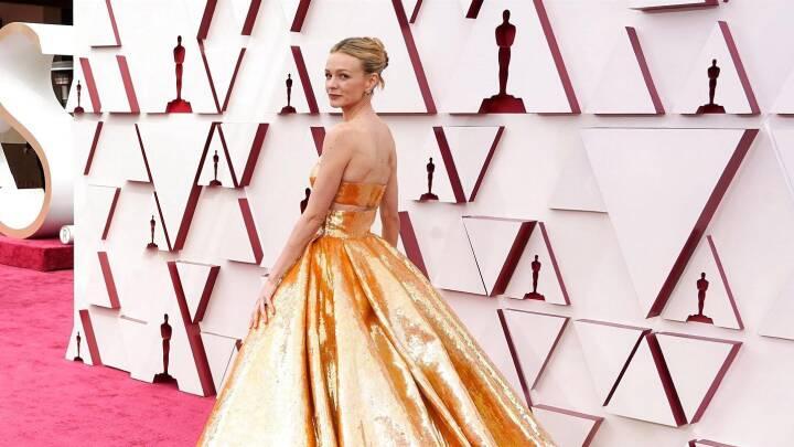 Hollywood fejrede sig selv med guldkjoler og rød løber: Se billederne fra Oscar-festen