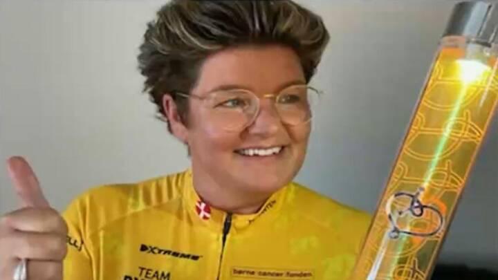 Charlotte har haft kræft i 18 år - nu er hun rask og er trukket i den gule cykeltrøje