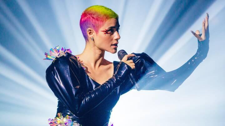 I aften bliver der skrevet tv-historie: Sanger deltager i Eurovision uden at optræde på scenen