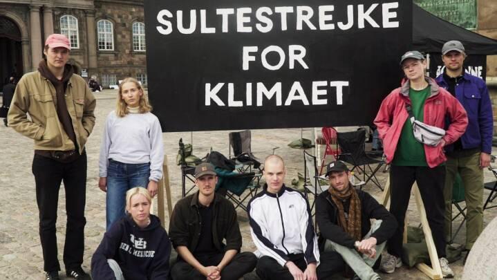 Otte unge klimaaktivister sultestrejker for klimaet