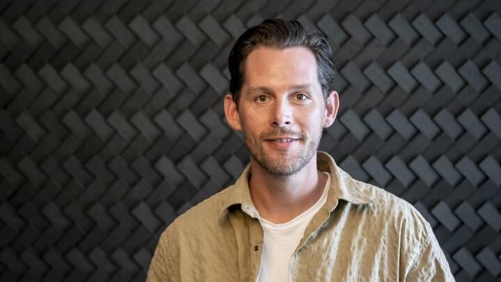 'Engang syntes folk, det var lidt for meget': Nu kaster Rasmus Seebach sig ud i storhittende 80'er-trend