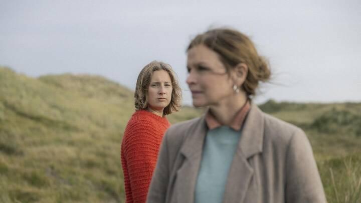 Hvordan siger man farvel til sin døende mor? Ny film gør op med den perfekte afsked